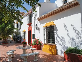 4 bedroom Villa with Pool and WiFi - 5604470