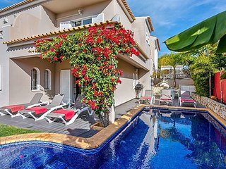 Vilamoura Villa Sleeps 6 with Pool and Air Con - 5769751