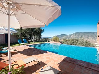 El Gastor Villa Sleeps 6 with Pool Air Con and WiFi - 5604495