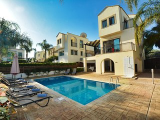 Mylos VIlla, Protaras center with private pool