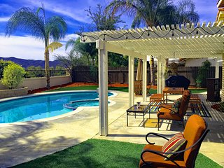 Gorgeous Amwood Wine Country Vacation Home - Pool/Spa/Firepit/Gameroom