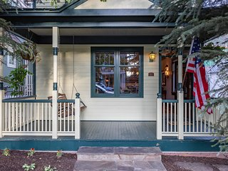 Lovely Home on South Oak Street, Steps From Gondola, One Block From Courthouse