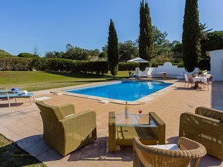 Amazing 3 bedroom Villa With Large Garden-TRANSFER INCLUDED