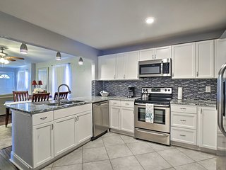 Renovated St. Petersburg Home -10 Minutes to Beach