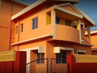 Orange 1 & 2 bhk Service Apartment