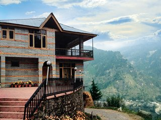 Simple space to sleep for travellers in Manali