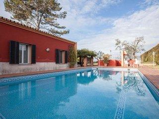 Spacious Villa Las Pilas apartment in Cartuja with WiFi, integrated air conditio