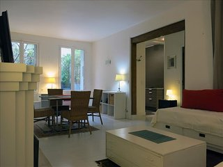 Carreau du Temple Marais apartment in 03eme - Temple - Le Marais with WiFi & lif