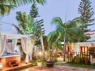 Le Ravenale**** T2 standing &Spa. Charme creole-village bord de mer Etang Sale