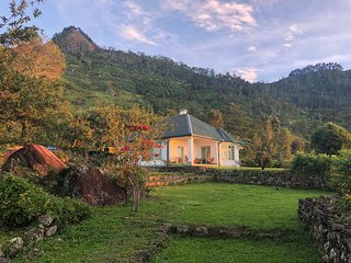 Haldummulla Estate Bungalow - full board on an organic tea estate
