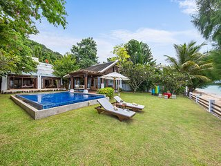 45% OFF | The Emerald Villa 4 Cozy Beachfront Family Villa w/ Jacuzzi