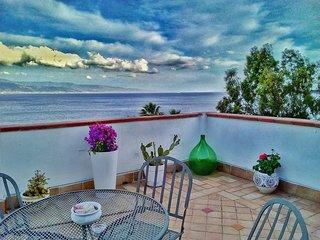 FLO BEACH HOUSE Appartamento privato