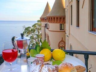 Castle Mezzacapo|Maior, appartamento incantevole nel castello sul mare