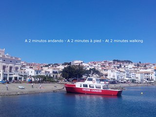 Cadaques center, Cosy flat with terrace, 100m from sea