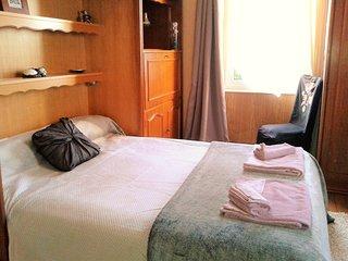 Appartement meublé de tourisme, de trois piècess principales.(Quatre personnes)