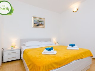 Apartment Duric near Old Town