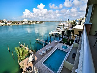 Sandpiper's Cove 401 Luxury Waterfront 3 Bedroom 2 Bath Sandpiper's Cove