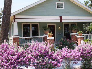 Charming Cottage 3 minutes to the beach!  Amazing Covered porch!