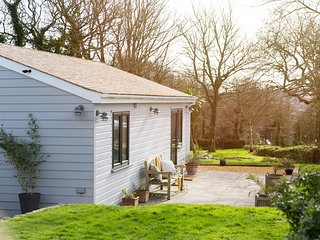 Woodpeckers - a dog friendly rural retreat suitable for couples