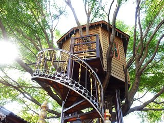 Tree House in Bangkok, Relax and Quiet
