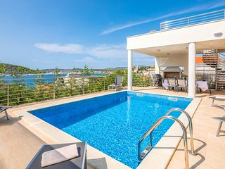 5 bedroom Villa with Pool, Air Con and WiFi - 5770500