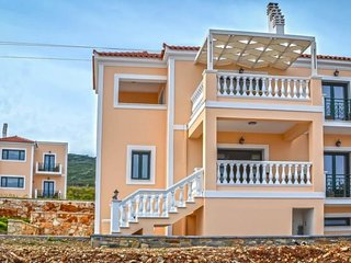 1 bedroom Apartment with Air Con, WiFi and Walk to Beach & Shops - 5769500