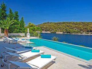 6 bedroom Villa in Sumartin, Splitsko-Dalmatinska Zupanija, Croatia - 5770497
