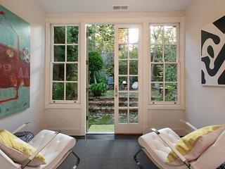Pacific Heights Victorian Garden Bedroom & Bathroom
