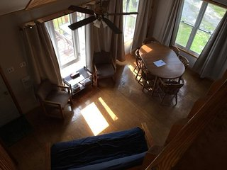 The Tamarack, Spacious two story, private deck overlooking the beautiful lake