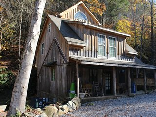 Largest Private Waterfall, Historic Cabin. Sleeps 8-10