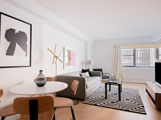 Sonder | The Nash | Central 1BR + Rooftop