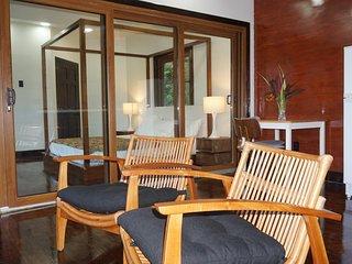 Theravada Forest Retreat - Deluxe Cabana Suntory