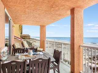 Buena Vista 301 ~ 3 Bdrm Beachfront ~Your Home Away From Home! ~Bender VR