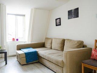 Spacious Villa Macchiato apartment in Leidseplein with WiFi.
