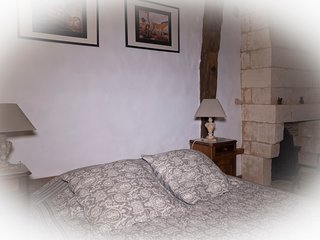 Gîte Grottes du Périgord, 18th century manor with shared pool, jacuzzi, sauna...