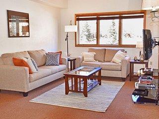 Keystone Studio Condo near Base of Keystone Ski Resort with Amenities
