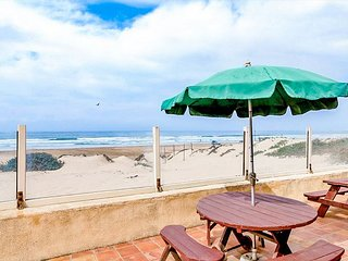 3BD, 2BA Oceanfront Home w/ Direct Beach Access, Fire Pit & BBQ