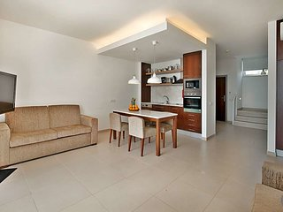 Sao Rafael Villa Sleeps 6 with Pool Air Con and WiFi - 5769395