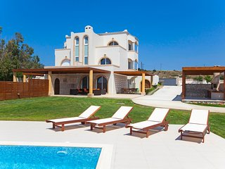 3 bedroom Villa with Pool, Air Con and WiFi - 5769467