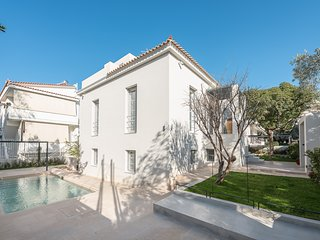 Luxury Mansion ''Tessera'' with pool in Glyfada center
