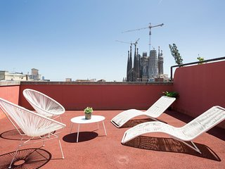 BARCELONA|SUNNY ATTIC W/ TERRACE AND CITY VIEWS! o