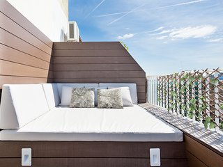 BARCELONA | LUMINOUS APT WITH PRIVATE TERRACE|