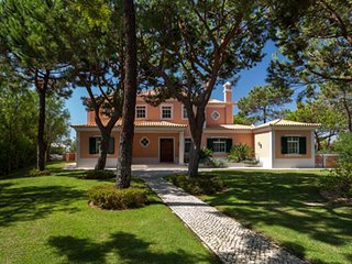 Quinta do Lago Villa Sleeps 12 with Pool Air Con and WiFi - 5610358
