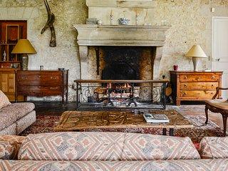 Ognon Chateau Sleeps 17 with Pool - 5049722