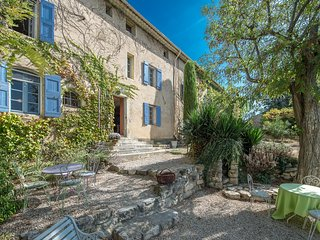 Renovated Farmhouse in Provence with Breathtaking Views, Heated Pool, Sleeps 20