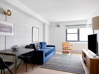 Bold 1BR in Midtown East by Sonder