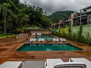 Casa Condominio Alto Padrão e Charme - 500m Praia