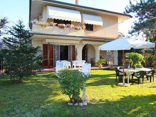 3 bedroom Villa in Pozzodonico, Tuscany, Italy - 5769448