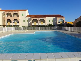 2 bedroom Apartment with Pool and Walk to Beach & Shops - 5786935