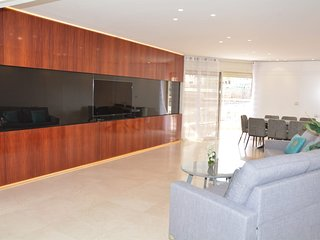 Luxury and Spacious 3 Bedrooms - Close the Beach and with Swimming Pool